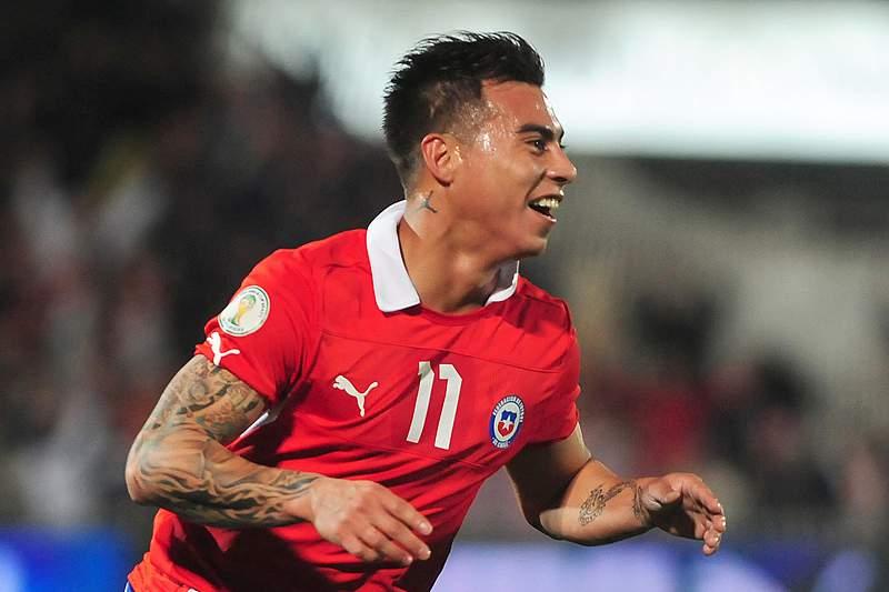 Chile sofre para vencer o Egito