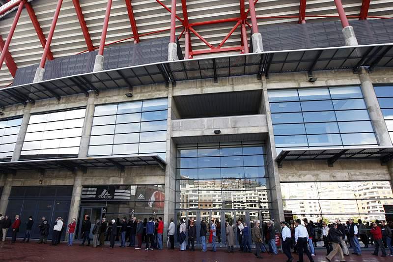 Benfica agenda conferência de imprensa surpresa