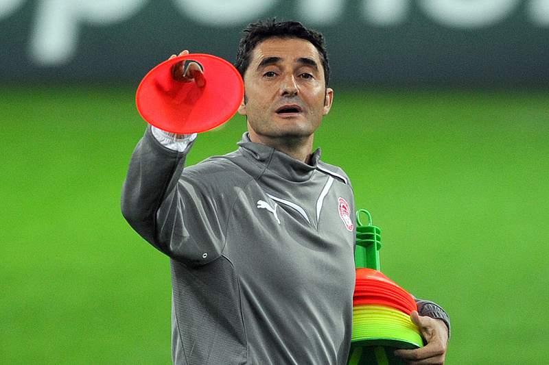 Valverde anuncia saída do Valência após derrota em Sevilha