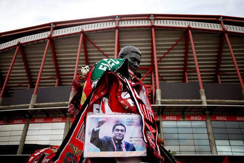 José Eduardo dos Santos enviou mensagem de condolências a Cavaco Silva