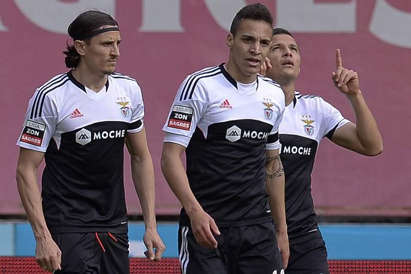 Fejsa falha visita do Benfica ao terreno do AZ Alkmaar