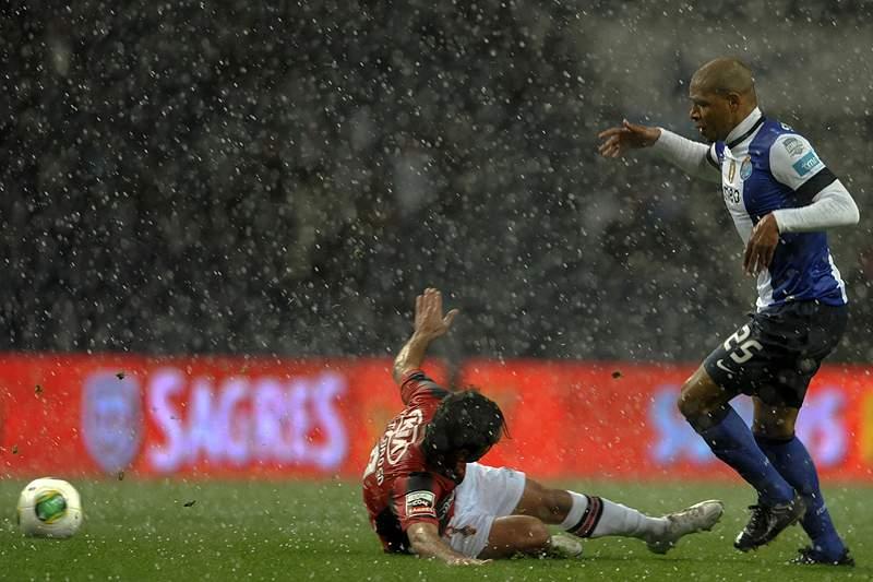 FC Porto também escorrega nesta ronda
