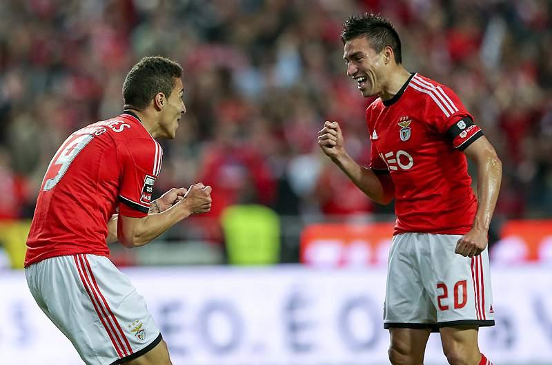 Benfica a um jogo do título, FC Porto adia
