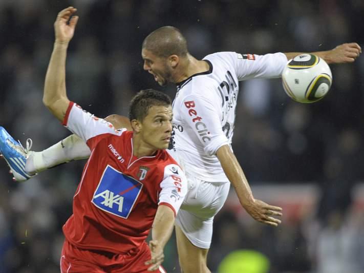 Kanu chamado para receção ao SC Braga