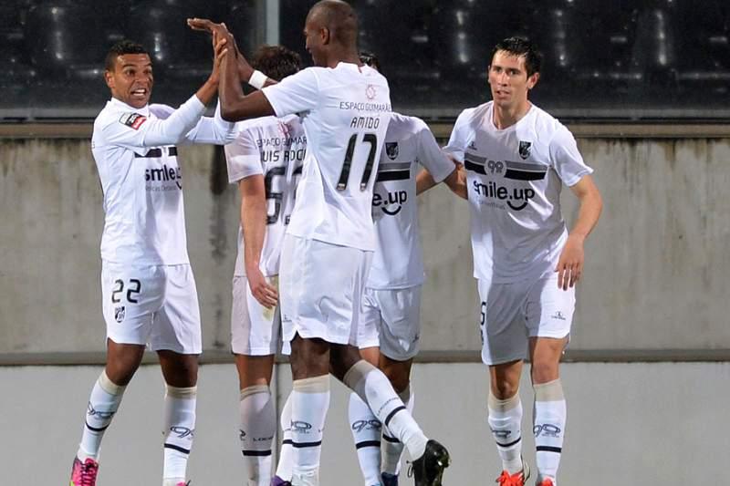 Vitória de Guimarães impõe quarta derrota seguida à Académica