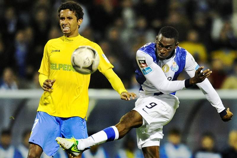 Estoril-FC Porto da quinta jornada disputa-se domingo às 20h15