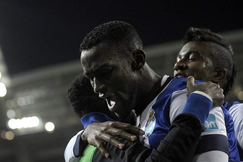 """Número de futebolistas estrangeiros diminui, mas mantém-se no """"top3"""" da Europa"""