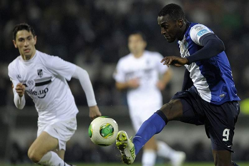 FC Porto tenta consolidar liderança diante do Vitória de Guimarães