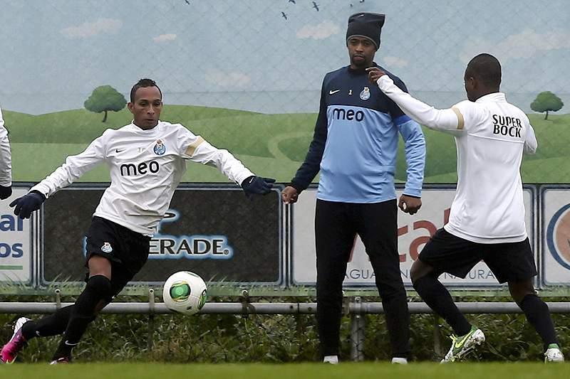 Três reforços da equipa B no treino