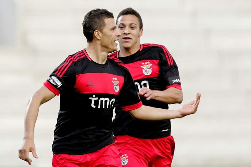 Benfica mais perto do título