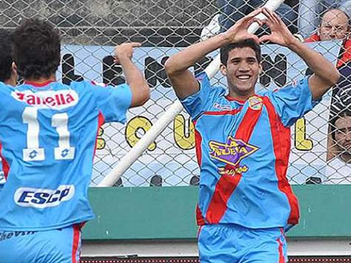 Benfica sonda Lisandro Lopez