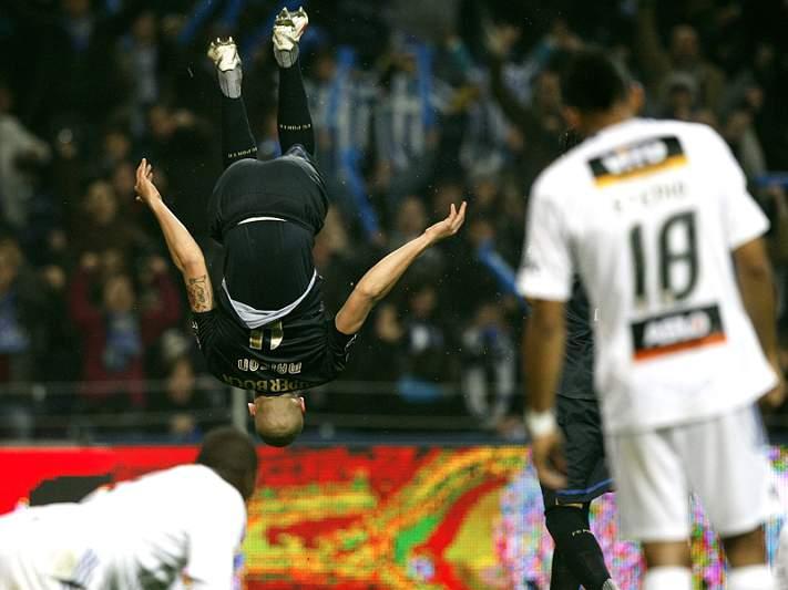 FC Porto apanha comboio que Benfica deixou fugir