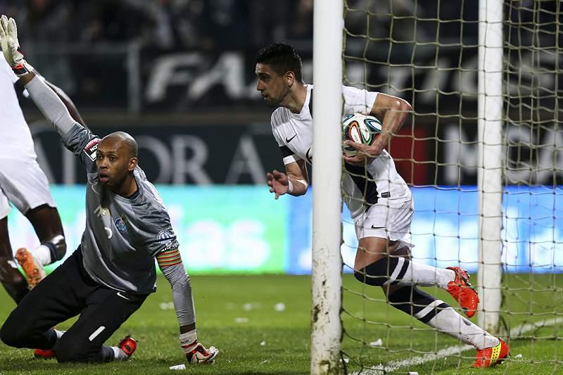 FC Porto empata e vê Benfica a nove pontos de distância