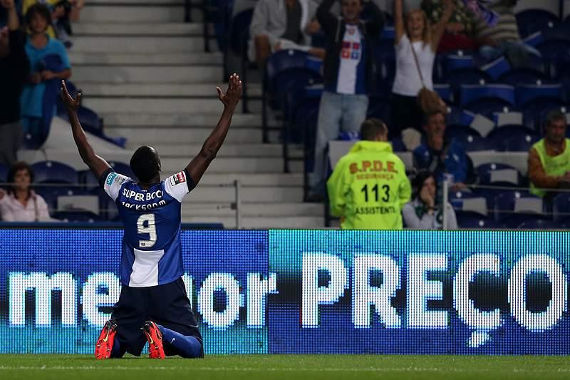 Clássico resolve-se com toque colombiano do FC Porto