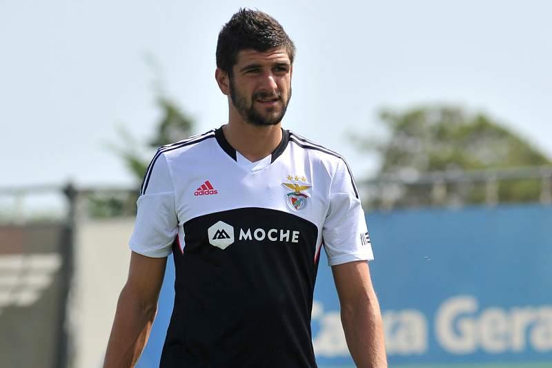 Benfica empresta Mitrovic ao Valladolid