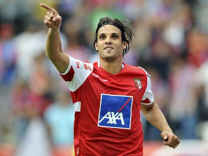 Nuno Gomes quer jogar mais um ano