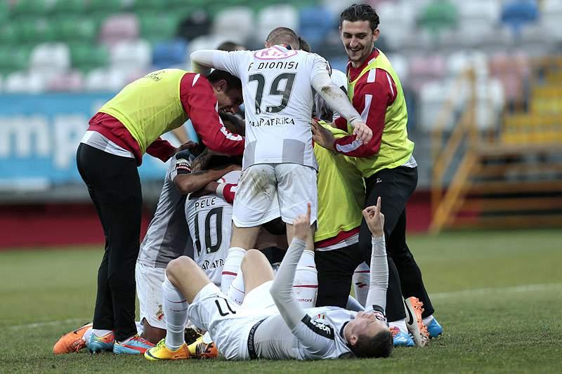 Olhanense vence Gil Vicente e regressa aos triunfos cinco jogos depois