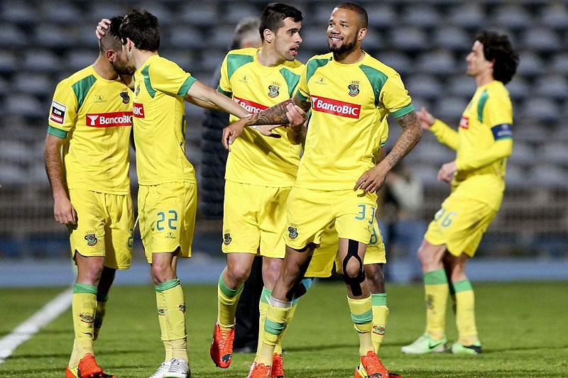 Paços de Ferreira recebido com insultos na chegada ao estádio