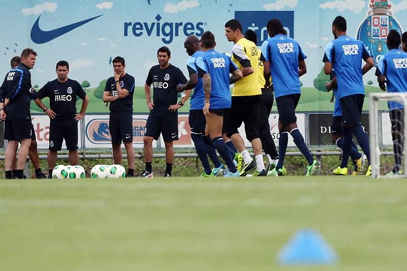 FC Porto regressa aos treinos com onze ausências