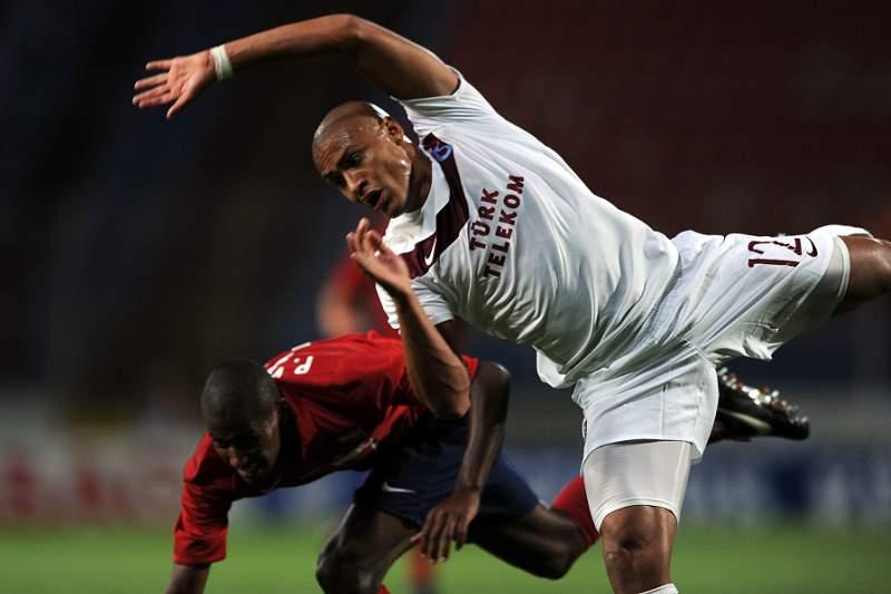 Treinador do Trabzonspor impediu a transferência de Paulo Henrique