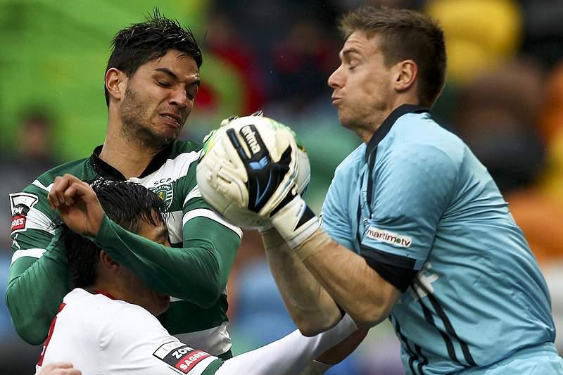 Pedro Mendes é titular, mas está de saída