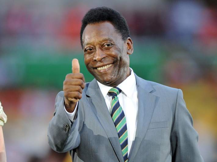 Filho de Pelé assina pelo Santos