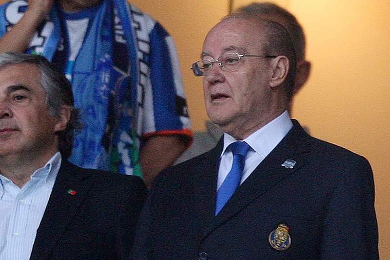 Pinto da Costa esteve no funeral de Fernando Martins