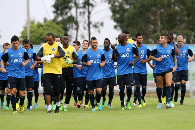 Fucile, Izamilov e Quintero ausentes no regresso do FC Porto ao trabalho