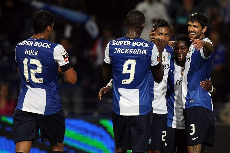 Vitória robusta do FC Porto na estreia no Dragão