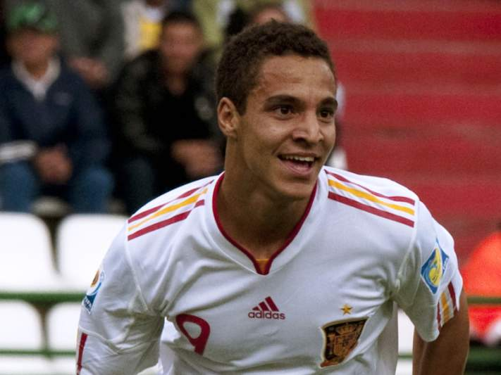 Rodrigo faz três golos frente à Estónia