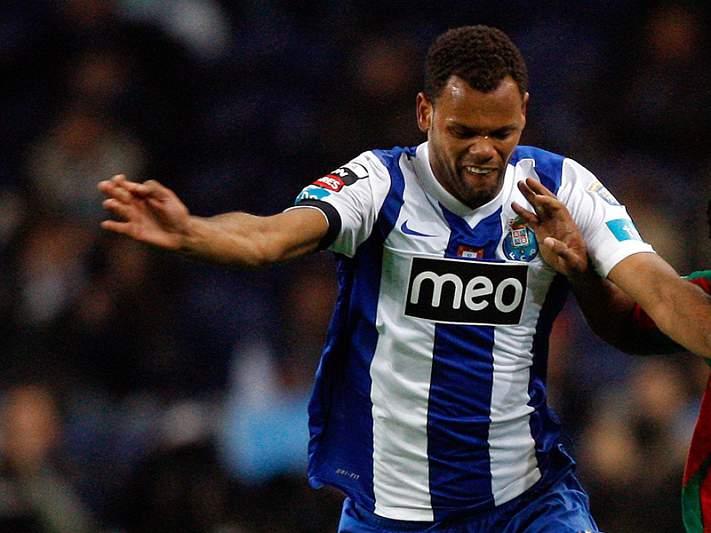 Newcastle quer Rolando