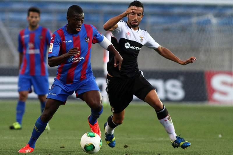 Amorim e Markovic vão a jogo com o Olhanense