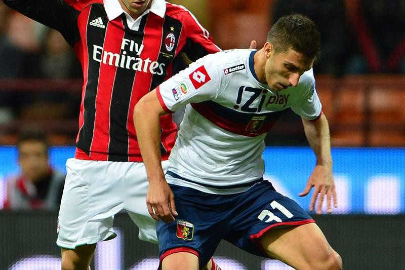 Olhanese contrata jogador formado no AC Milan