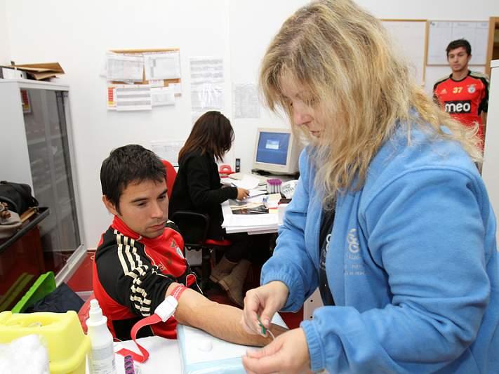 Plantel juntou-se para ajudar filho de Carlos Martins