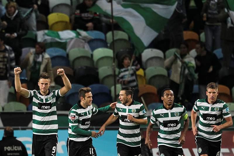 Sporting solidário com Silves e Lagoa