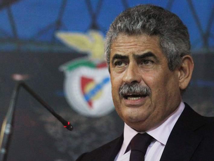 Sócios pedem demissão de Vieira