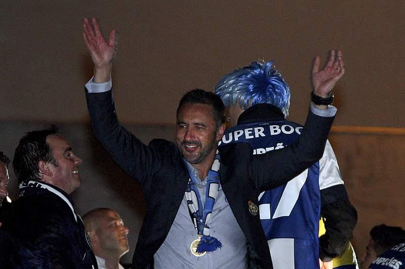 «Ainda não recebi nenhuma chamada do FC Porto»
