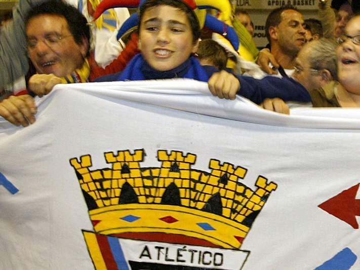 """Atlético vence Feirense com """"hat-trick"""" de Adilson"""