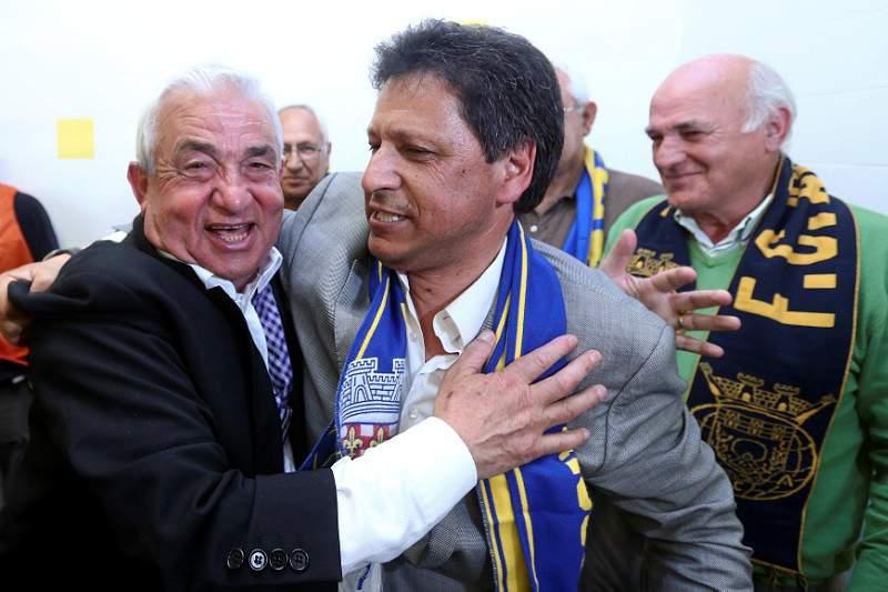 Carlos Pinho reeleito presidente