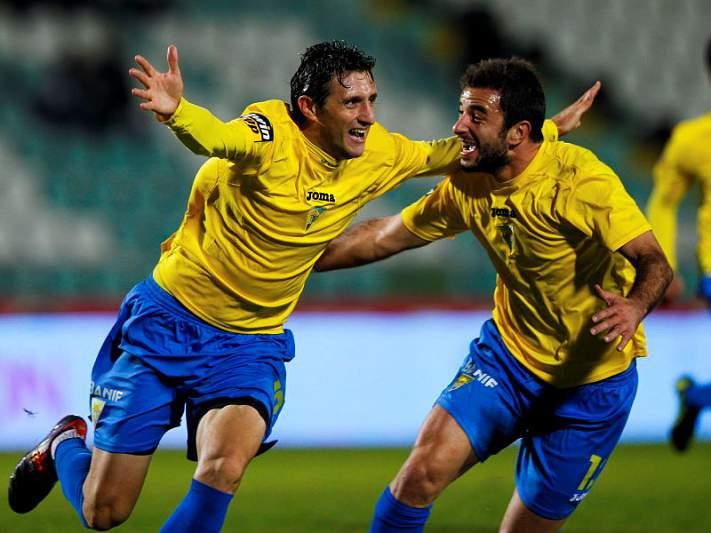 Adilson salva Estoril diante do Penafiel