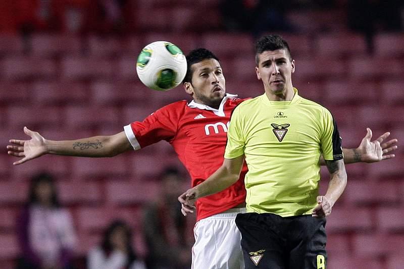 Chelsea e Manchester United disputam Garay