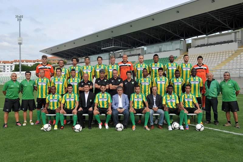 Tondela contrata defesa central brasileiro Deyvison