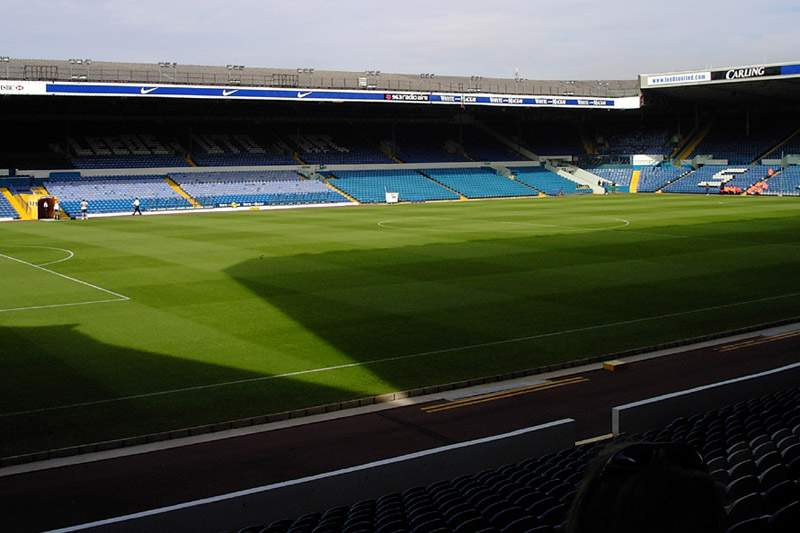 Leeds está à venda