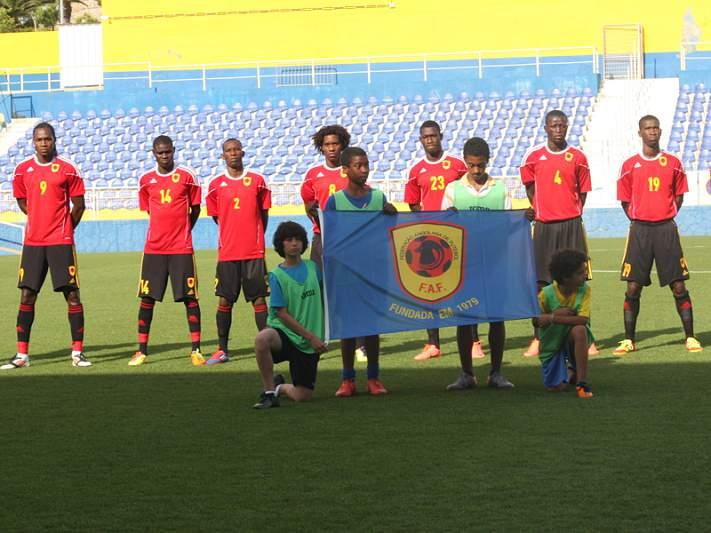 Angola empata com Uganda