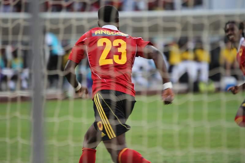 Angola em vantagem sobre Suazilândia no histórico
