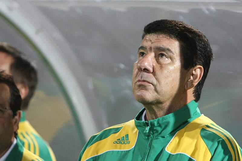 Técnico brasileiro Joel Santana chega sexta-feira a Angola