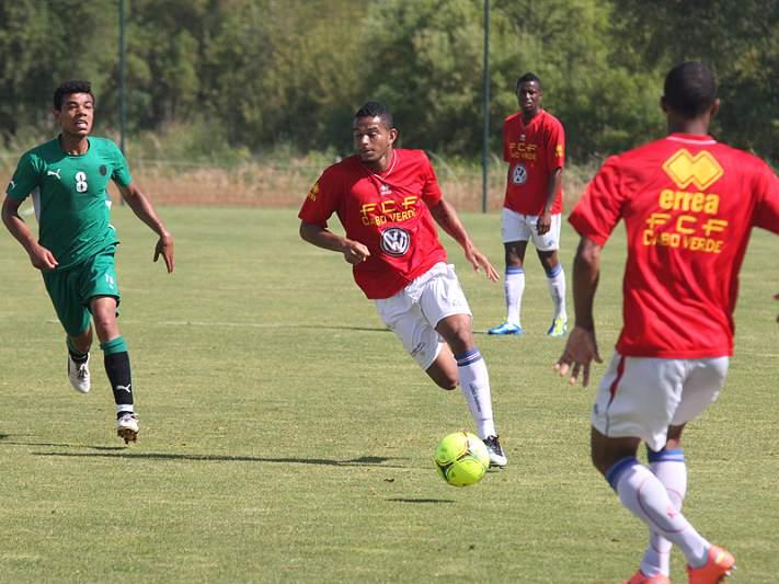 Cabo Verde inicia treinos para receber os Camarões