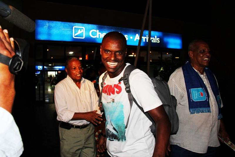Seleção chega vitoriosa a Cabo Verde