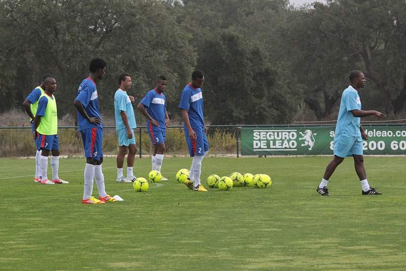 Cabo faz último treino antes do jogo com Gana