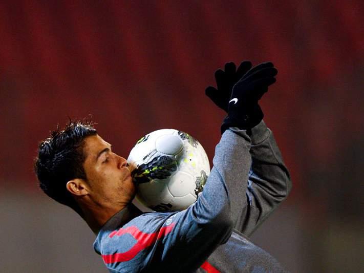 Laser na cara de Ronaldo dá multa de 4 mil euros